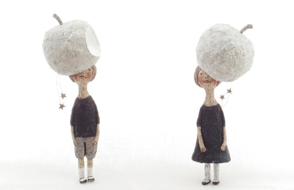 林檎の星時間, 経塚真代, 2014年, 木粉粘土にアクリル絵具、岩絵の具, 150 × 80 × 80 mm